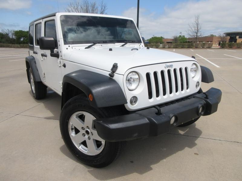 Jeep Wrangler Unlimited 2015 price $23,999