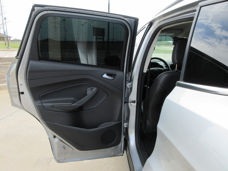 Ford Escape 2018 price $16,999