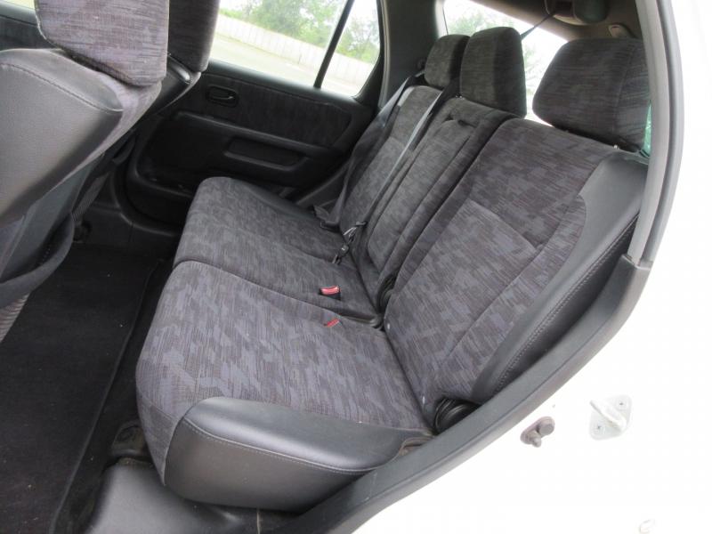 Honda CR-V 2004 price $4,999
