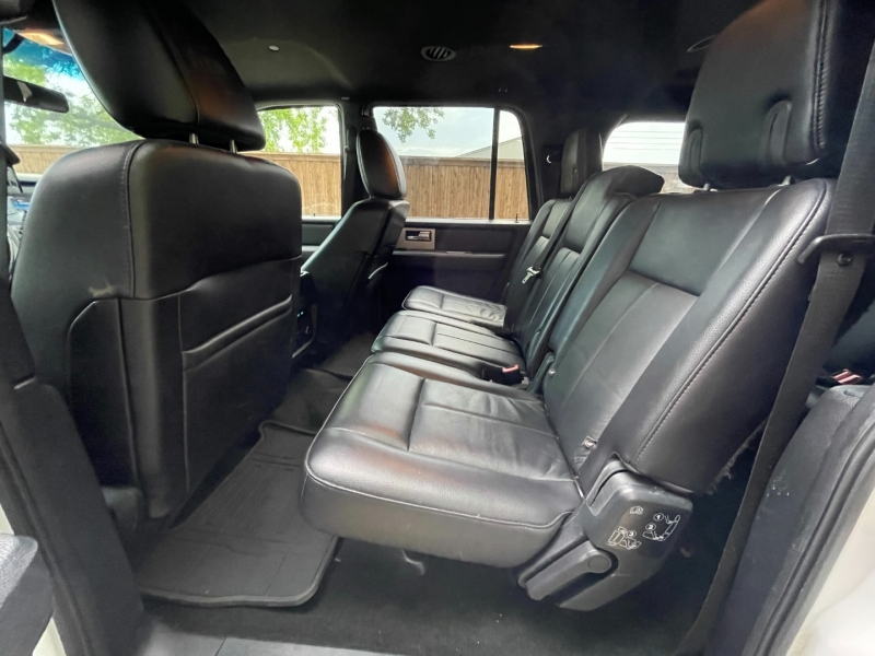 Ford Expedition EL 2016 price $25,999