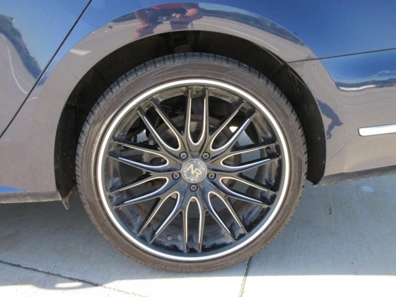 Volkswagen Passat 2013 price $10,977