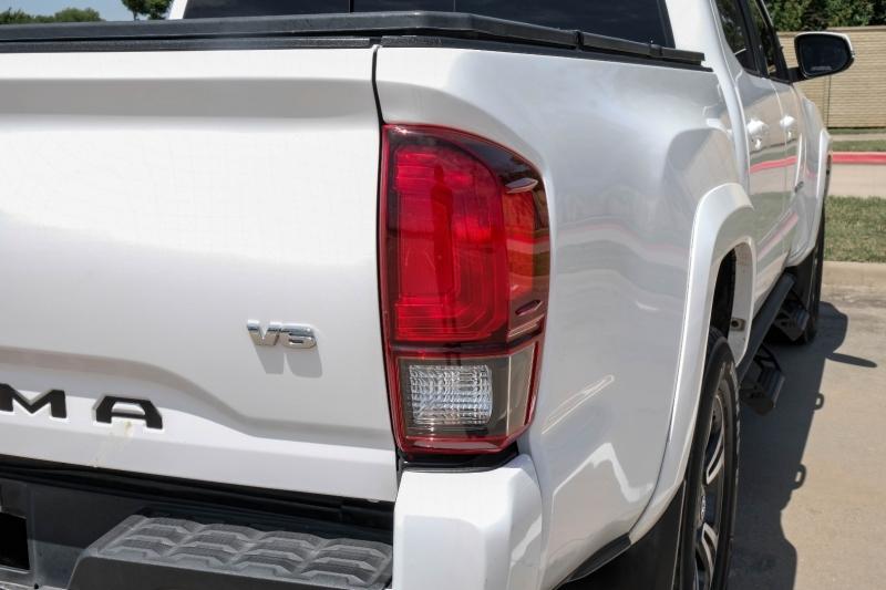 Toyota Tacoma 2018 price $30,999