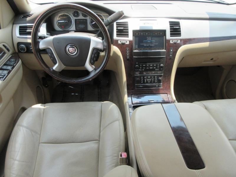 Cadillac Escalade ESV 2011 price $18,499