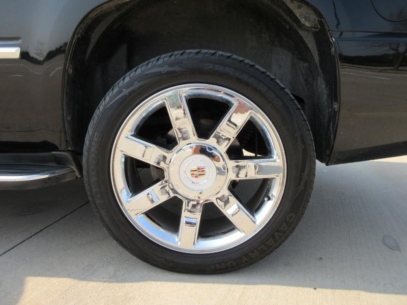 Cadillac Escalade 2011 price $18,977