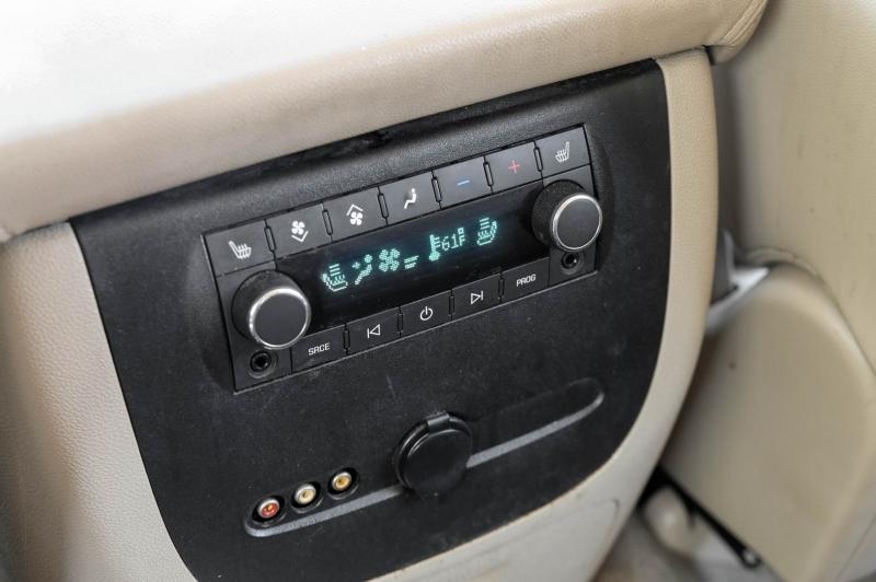 Chevrolet Suburban 2012 price $12,888