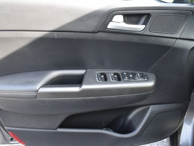 Kia Sportage 2018 price $18,900