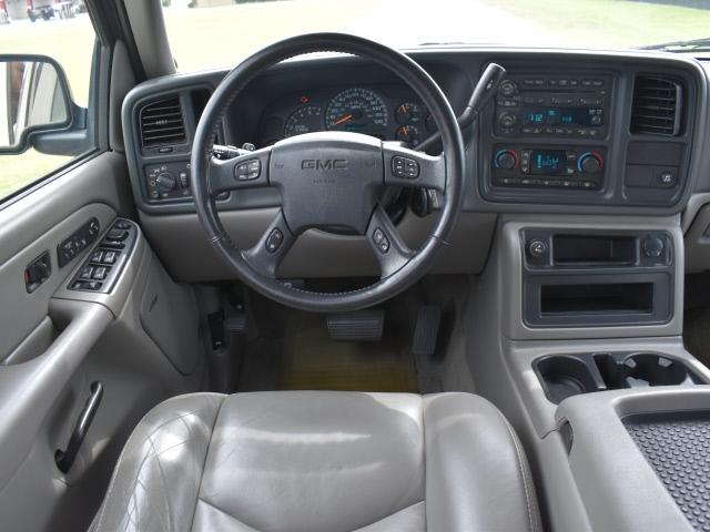 GMC Yukon XL 2005 price $7,995