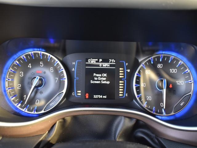 Chrysler Pacifica 2019 price $26,500