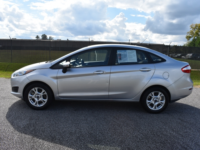 Ford Fiesta 2016 price $10,900