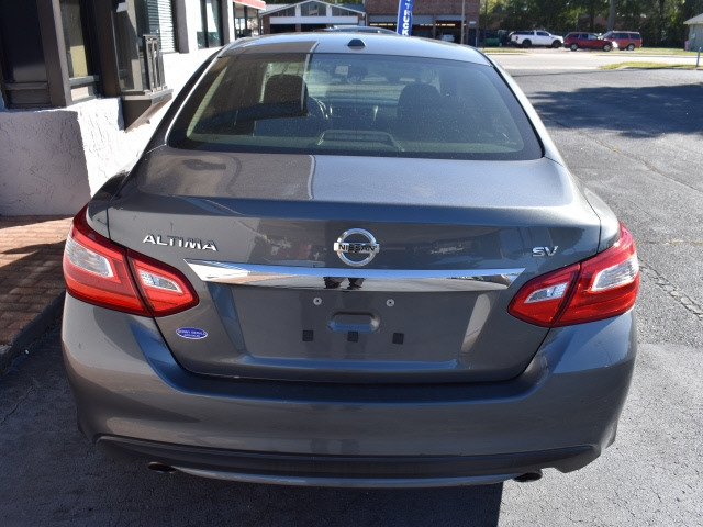 Nissan Altima 2017 price $12,900