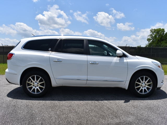 Buick Enclave 2017 price $24,800