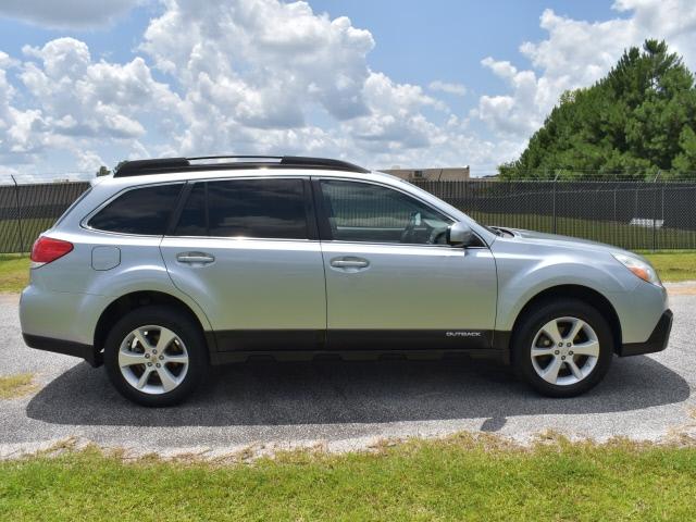 Subaru Outback 2013 price $12,900