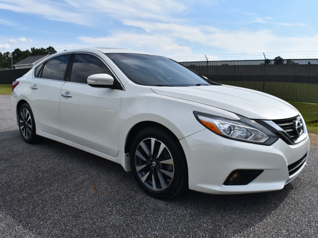 Nissan Altima 2017 price $19,800