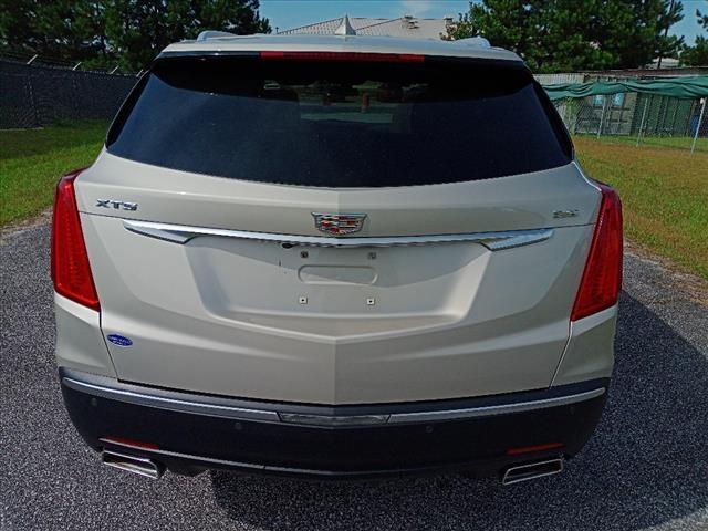 Cadillac XT5 2017 price $22,900