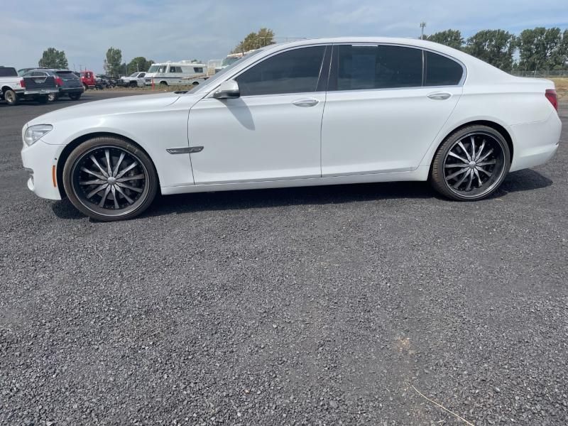 BMW 7-Series 2013 price $25,777