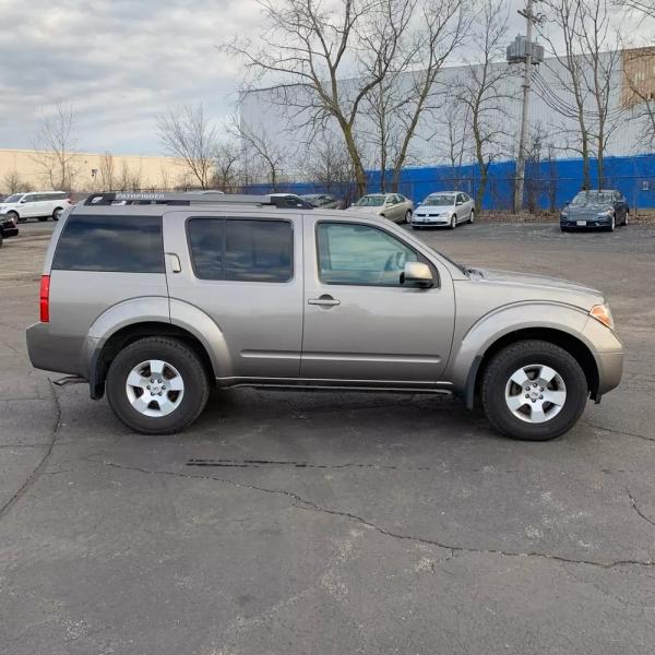 Nissan Pathfinder 2005 price $4,850