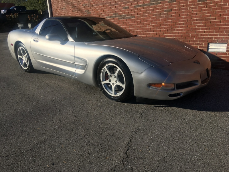 Chevrolet Corvette 2004 price $11,980