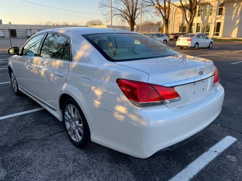 Toyota Avalon 2012 price $8,980