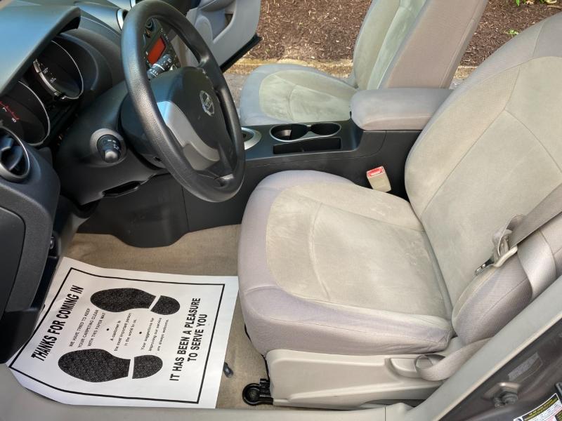 Nissan Rogue 2009 price $5,980