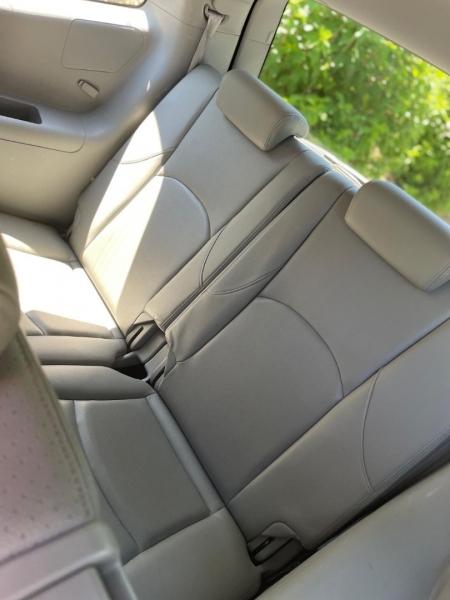 Kia Borrego 2009 price $5,980