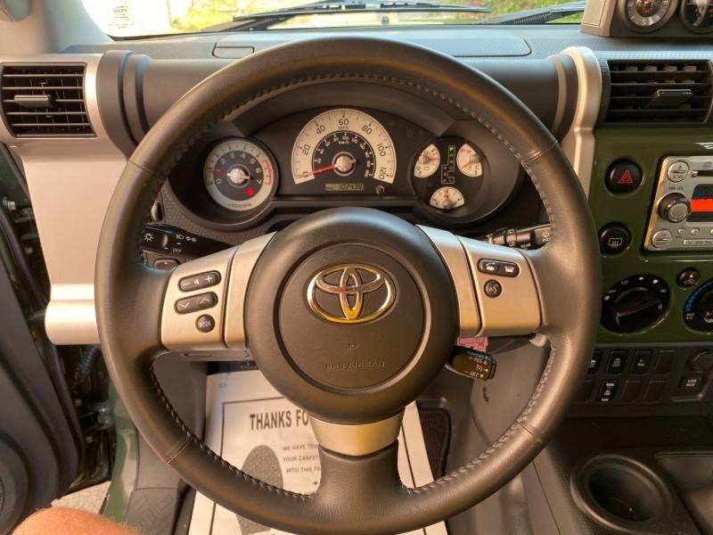Toyota FJ Cruiser 2011 price $29,977