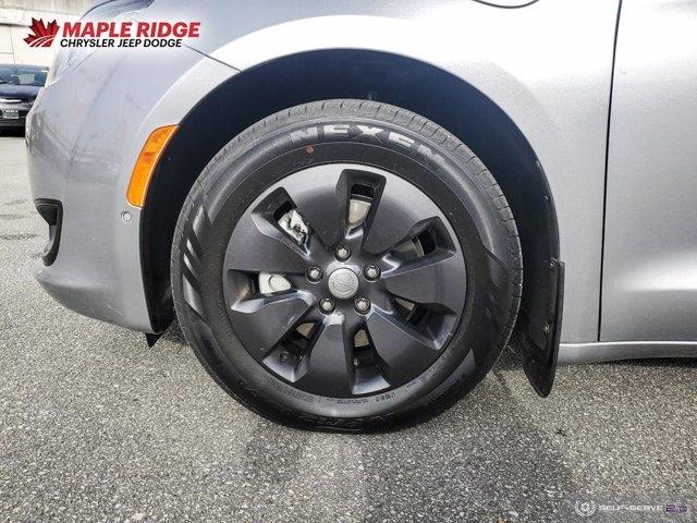 Chrysler Pacifica Hybrid 2019 price $52,699