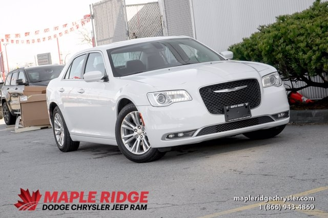 Chrysler 300 2020 price $34,990