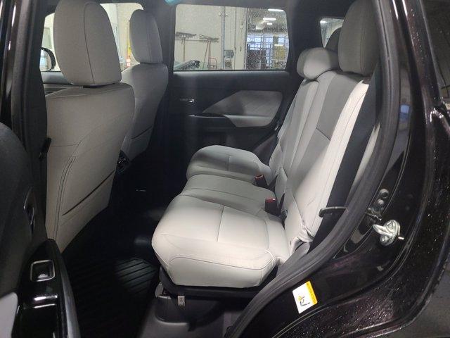 Mitsubishi Outlander PHEV 2019 price $39,720