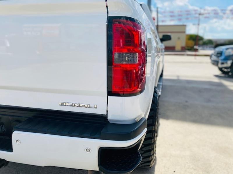GMC Sierra 2500HD 2015 price $41,500