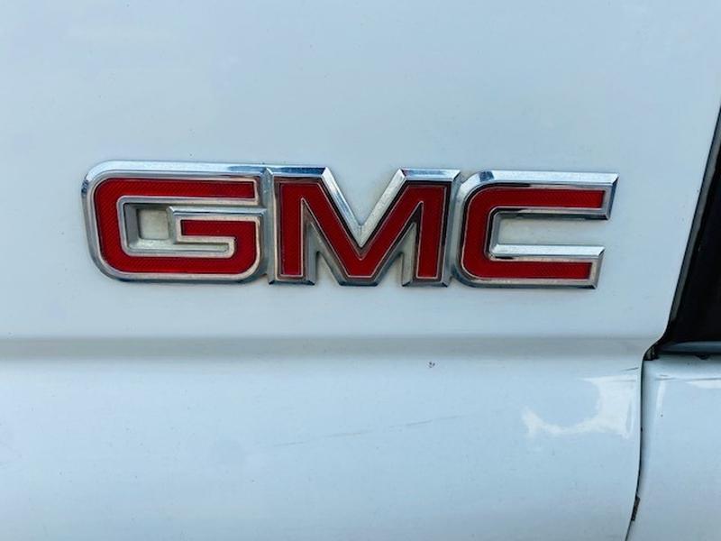 GMC Sierra 2500HD 2002 price $11,900