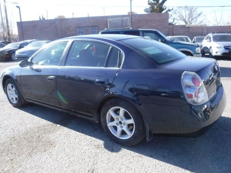 Nissan Altima 2005 price $4,555