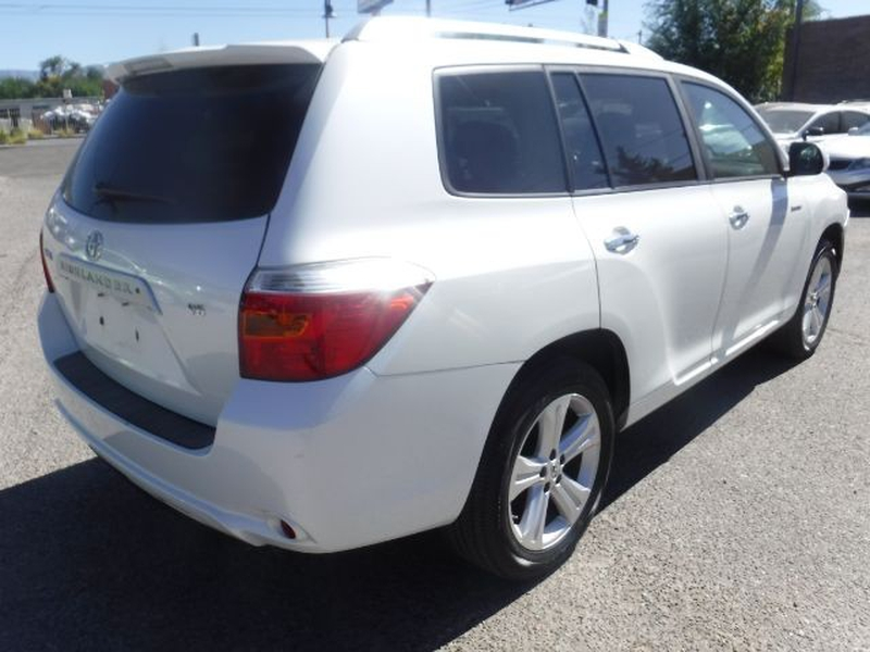Toyota Highlander 2008 price $10,555