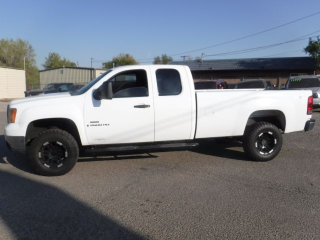 GMC Sierra 2500HD 2009 price Call for Pricing.