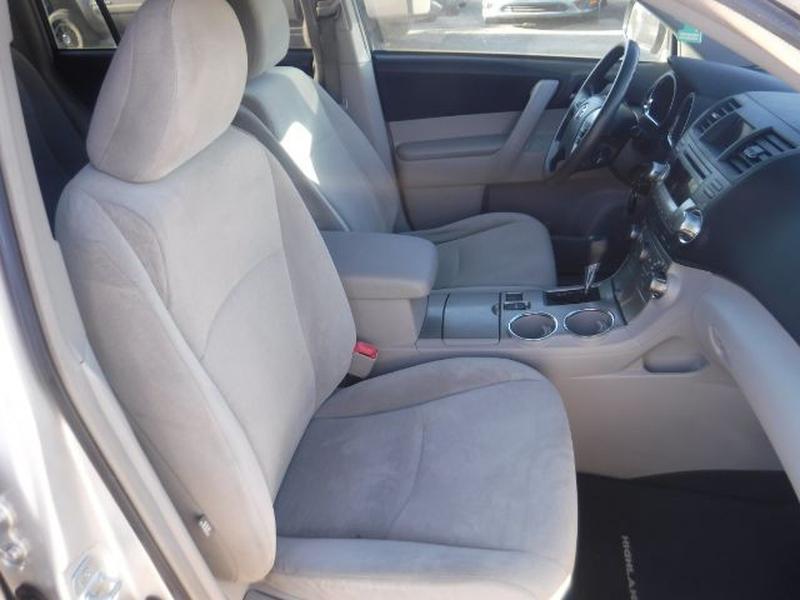 Toyota Highlander 2011 price $13,888