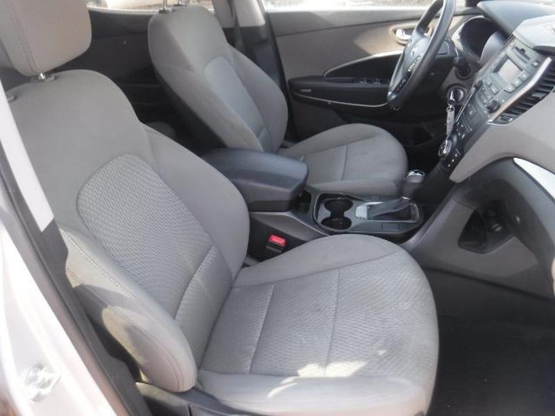 Hyundai Santa Fe 2014 price $15,777