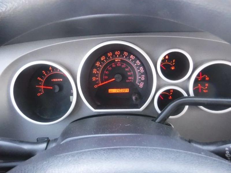 Toyota Tundra 2010 price $16,777