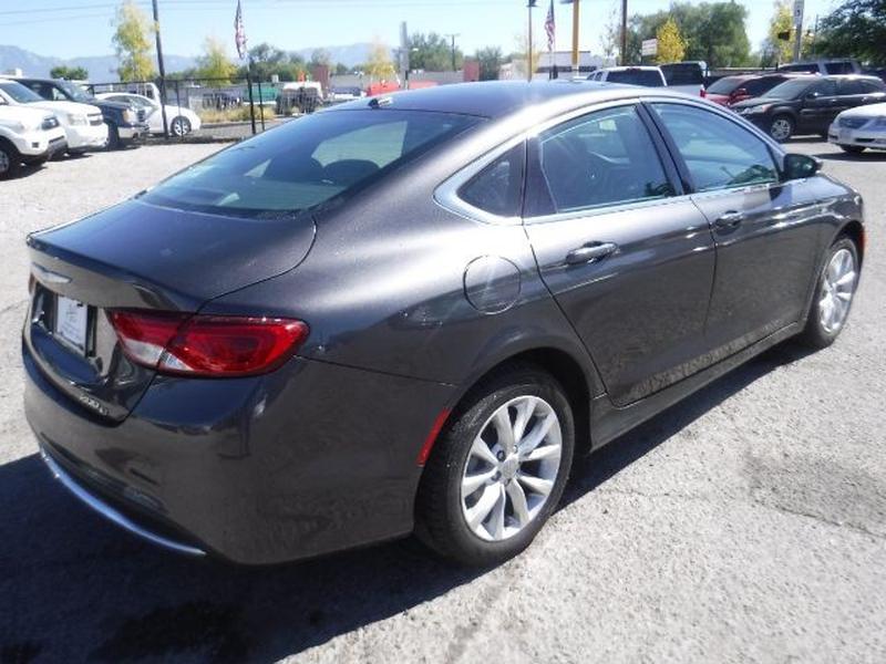 Chrysler 200 2015 price $13,555