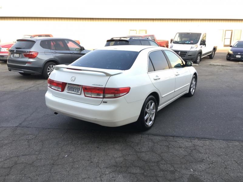 Honda Accord Sdn 2004 price $5,395