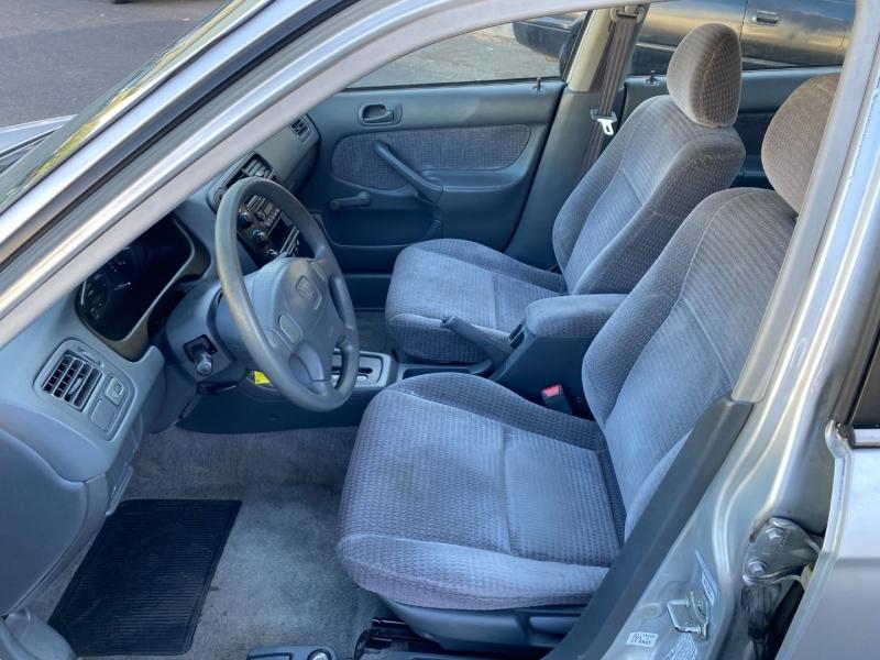 Honda Civic 2000 price $2,900