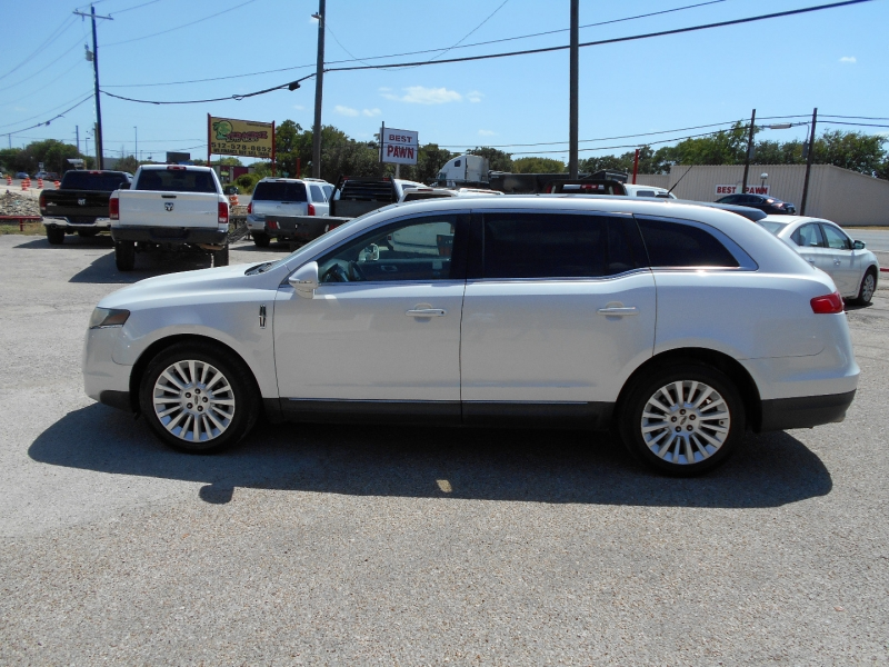 Lincoln MKT 2011 price $10,950