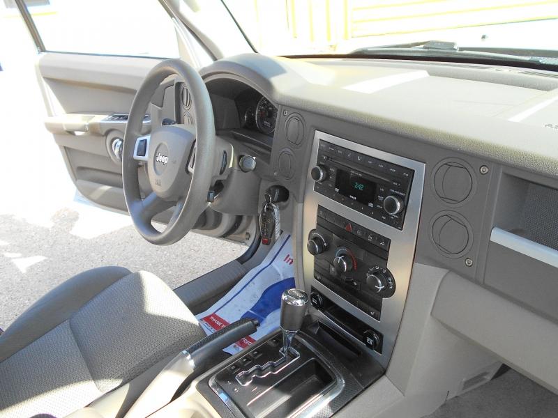Jeep Commander 2009 price $8,950