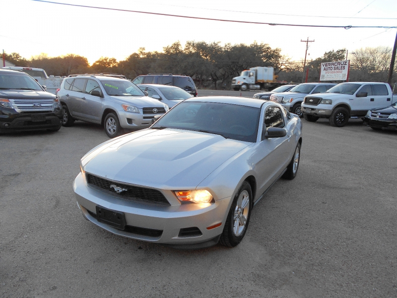 Ford Mustang 2011 price $10,950