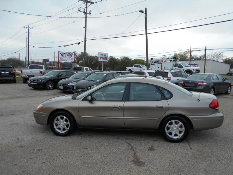 Ford Taurus 2006 price $4,800