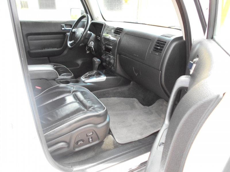 Hummer H3 2007 price $14,950