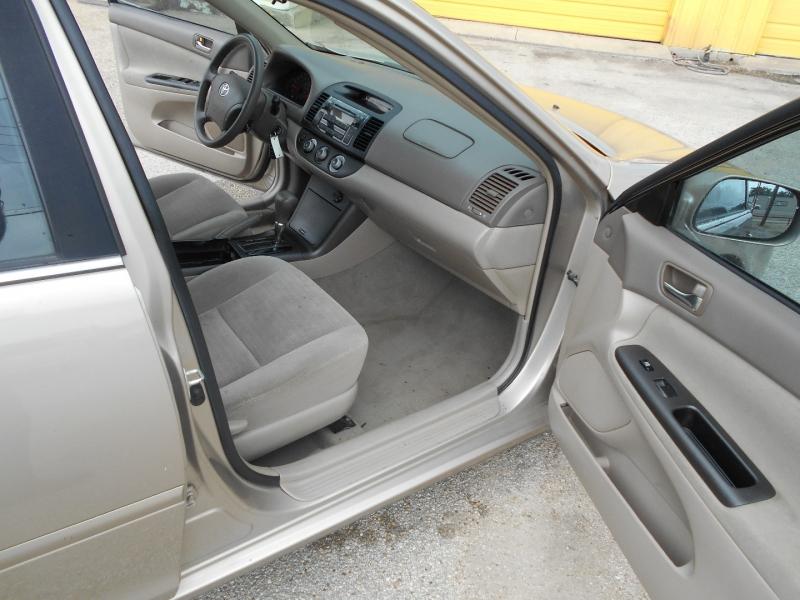 Toyota Camry 2005 price $8,950