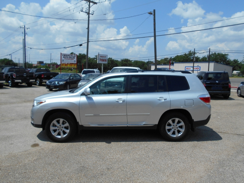 Toyota Highlander 2012 price $19,175