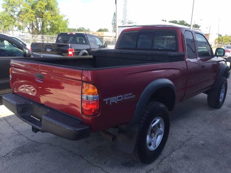 Toyota Tacoma 2004 price $7,995