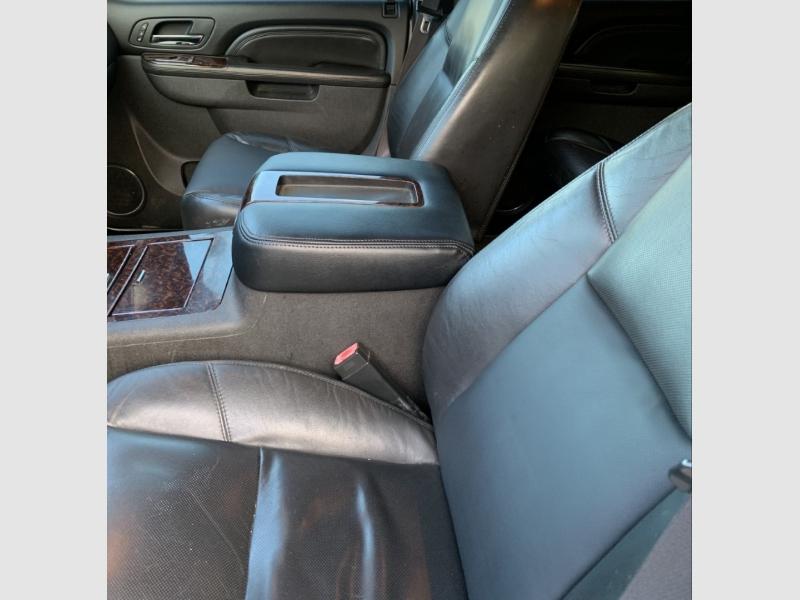 GMC YUKON XL 2011 price $15,600