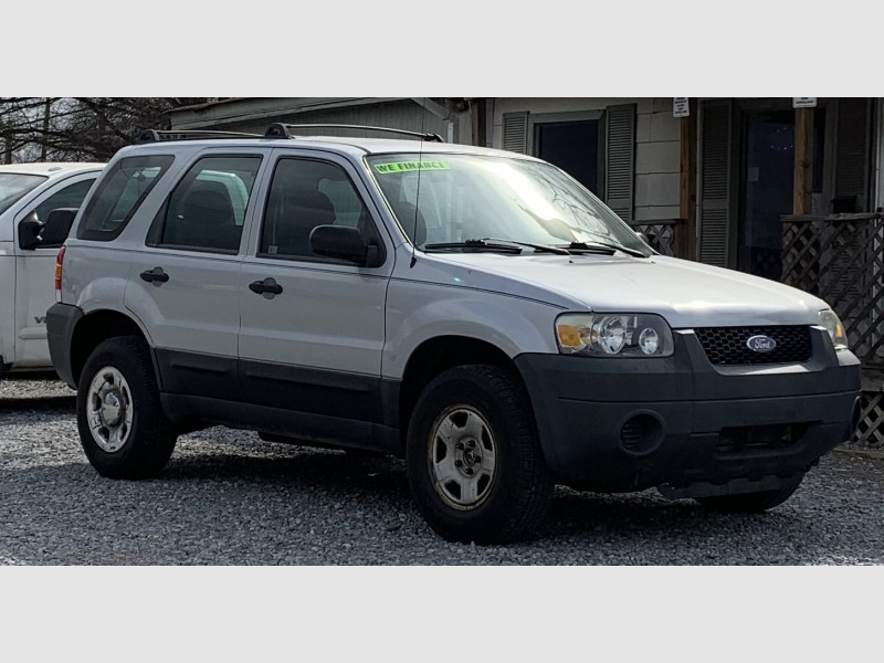 FORD ESCAPE 2005 price $6,195