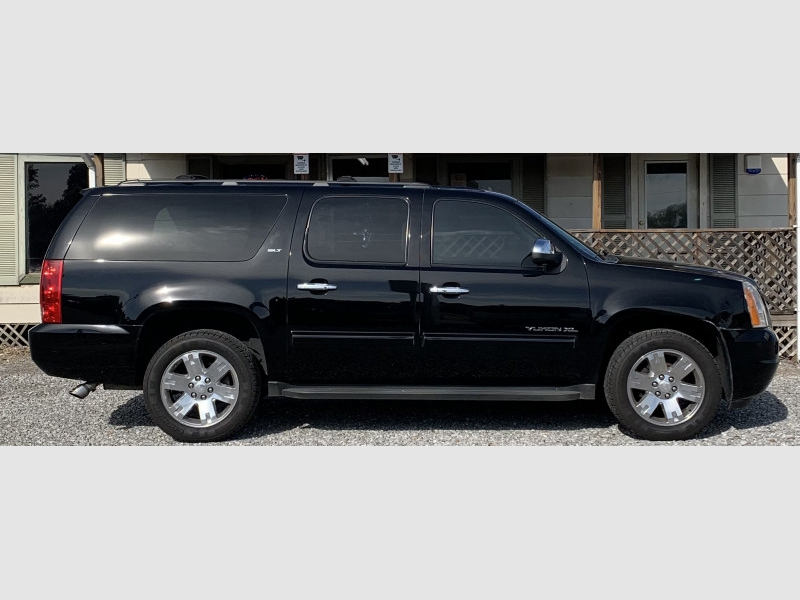 GMC YUKON XL 2009 price $14,900